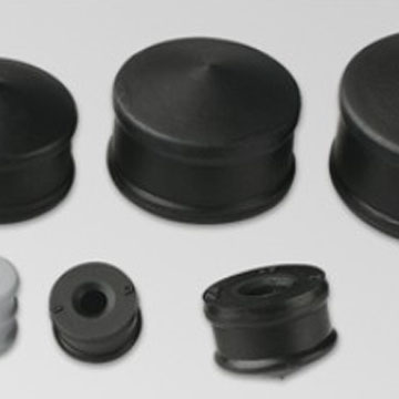 Halogenated butyl rubber plunger and spacer products for pen-type syringe using