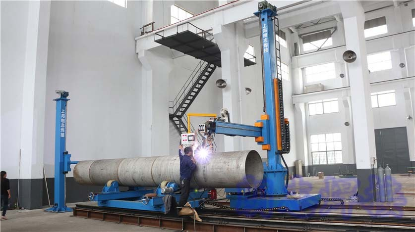 cross-manipulator welding system