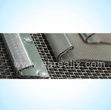 hook-and-pull type mesh