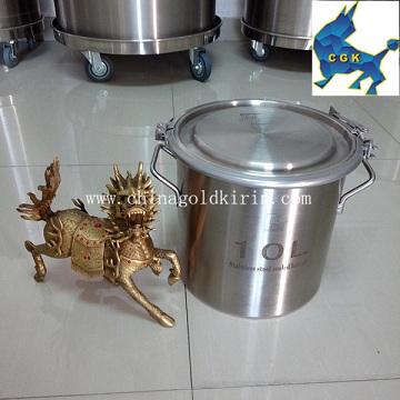 The 50 l barrels of drum