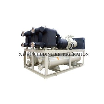 Efficient water chilling unit for refrigeratory